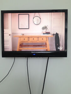 Tv lcd  ViewsSonic 19 pouce