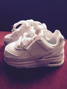 White Nike Toddler Shoes Size 5 - almost new