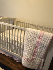 Pottery Barn Emerson Crib (Convertiblle Toddler bed)