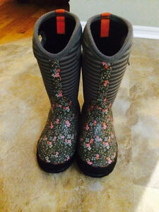 Girls bogs (winter boots) - size 1