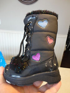 Brand New Totes Kids Black Snow Boots Size 6 Girls. Never Worn. Kitchener / Waterloo Kitchener Area image 4