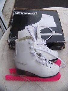 Winnwell Youth Size 13 Skates with Guards