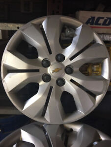 WHEEL COVERS - CHEVROLET  - 17 INCH   (set of 4)