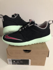Authentic Nike Rosherun Yeezy Size 9 Best Offer Accepted