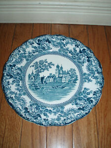 Elegant Vintage Porcelain Plates Collection - England