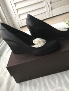 Black Gucci Shoes - Wedges - Size 7.5 - Never Worn