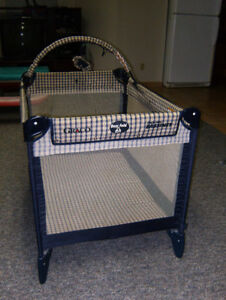 Playpen made by GRACO, type EASE FOLDER, like new