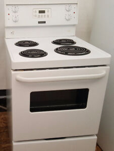1 Year Old Apartment Size Stove