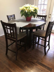 Pub Height Dining Set - 5 Piece **EXCELLENT CONDITION