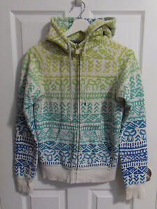Barely Worn Aritzia Hoodie - Size Small