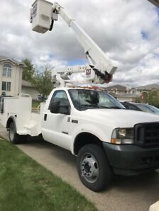 2003 Basket Truck F- 550 with Very Low Kms!