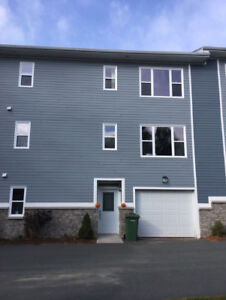Fairmount Executive 3 Bed + Den/Office, 4 Bath Townhome For Rent
