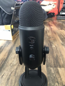 Blue Yeti 'Blackout' USB Microphone