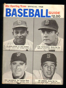 1968 The Sporting News Baseball Guide 500+ pages, excellent