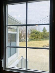 Fenêtre à battant 25'• 35'.