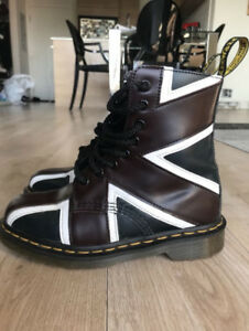 Dr. Martens - Union Jack - Size 6 US - Women