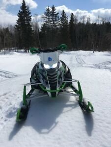 DEAL !!       2015 ARCTIC CAT XF 9000 WITH EXTRAS 7900$