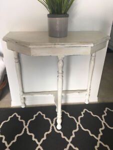 Shabby Chic Antique Painted Side Accent Table White