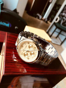 Ladies Micheal Kors Watch - New ( FREE DELIVERY )