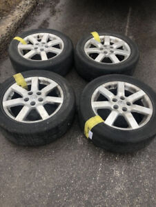 Nissan 17 '' mags + 225-55-17 summer tires