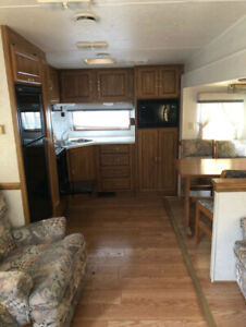 95 fifth wheel newly renovated inside MUST SEE