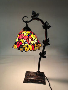 "TIFFANY-STYLE 23""H STAINED GLASS RED FLORAL LEAF DESK LAMP- mnx"