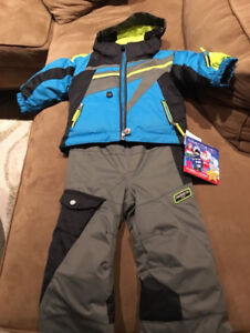 Obermeyer Super G / Chill Factor Ski Suit: Size 3T: Brand new wi