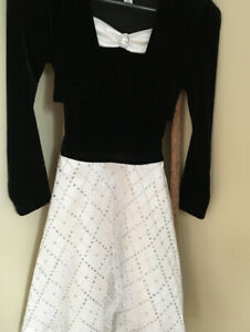 Girls black and white  dress. Size 10. Excellent condition