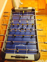 Jeu de fooseball/fooseball table for sale!