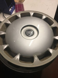 "16"" Volvo wheel covers (3 only)"
