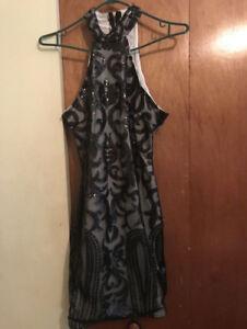 Robe femme grise et noire taille medium