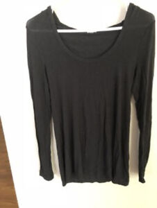 LADIES SIZE X-SMALL COMFY HOODED LONG SLEEVE COTTON TOP - GARAGE