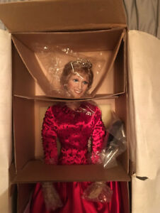 "Princess Diana Doll:  ""World 's Beloved Rose"" by Ashton Drake!"