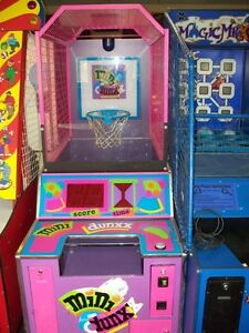 JEUX D'ADRESSE - REDEMPTION GAMES ET PINBALL À VENDRE West Island Greater Montréal image 4
