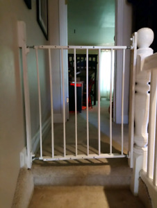 Children's safety gates / barriers for stairs etc.