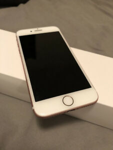 32GB Rose Gold iPhone 7 - Great Condition!