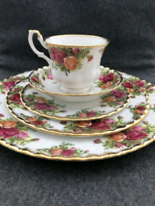 """Royal Albert "" Fine bone China...Old Country Roses,..."