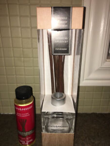Brand new- still seals- Fruits & Passion Diffuser Set