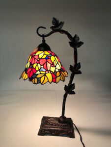 """TIFFANY-STYLE 23""""H STAINED GLASS RED FLORAL LEAF DESK LAMP- mnx"""