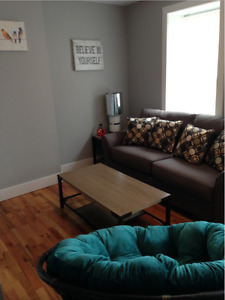 Beautiful 1 bedroom right across from Queen Square