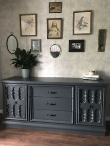 Awesome Antique Hutch/Buffet/Console - DELIVERY AVAIL