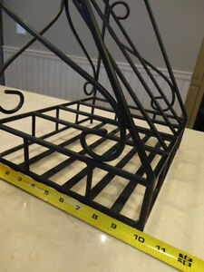 "Wrought Iron Magazine Rack -In Excellent Condition 15 x12.5 x10"" Kitchener / Waterloo Kitchener Area image 4"