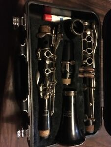 Yamaha clarinet With Black case.Excellent