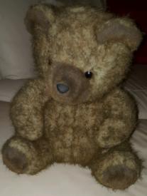 LARGE BROWN TEDDY BEAR