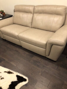 Brand new leather power reclining sofa couch