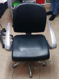 Black Hair Dressing Chair