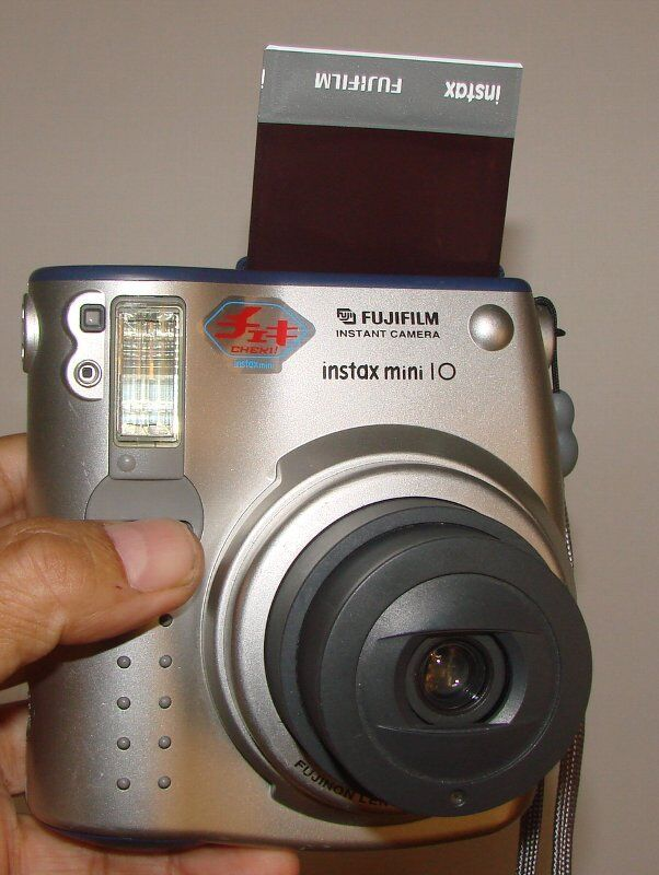 Fuji film instant camera. instax mini 10 Cheki !