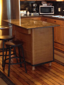 Free stone countertop for island