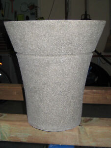 Flower pots - fiberglass - set of 3
