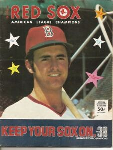 1976 BOSTON RED SOX PROGRAM WITH FRED LYNN ON COVER